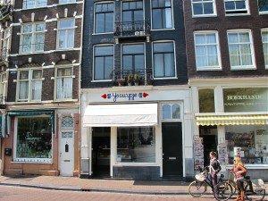 Dutch ice cream at Amsterdam's IJskuypje