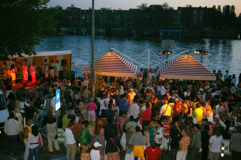 Salsa night along the river Amstel