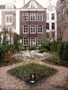 Canal house garden.