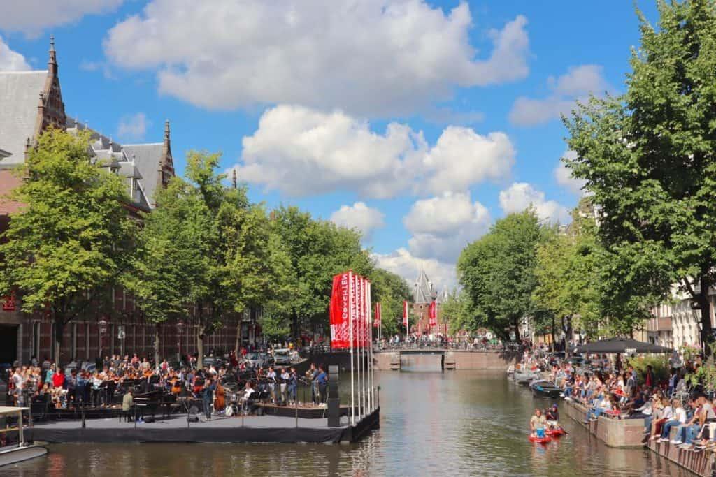 Kloveniersburgwal, Amsterdam. Grachtenfestival.