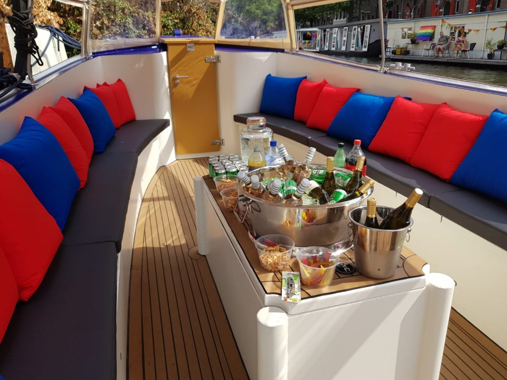 catering Amsterdam boat tour